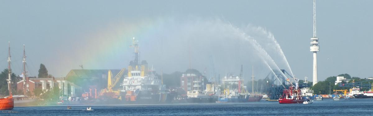 Regenbogen am Hafen