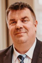 Oberbürgermeister Carsten-Feist